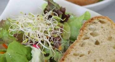 Salate und Vorspeisen (Mindestabnahmemenge 30 Portionen pro Vorspeise)